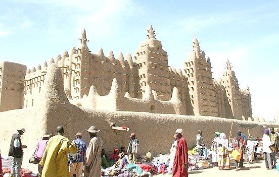Monday morning market in Djenne, Mali