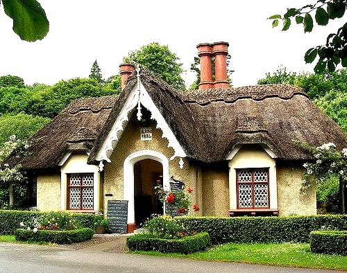 Traditional cottage in Killarney National Park, Ireland