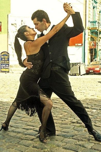 Street tango in La Boca, Buenos Aires, Argentina